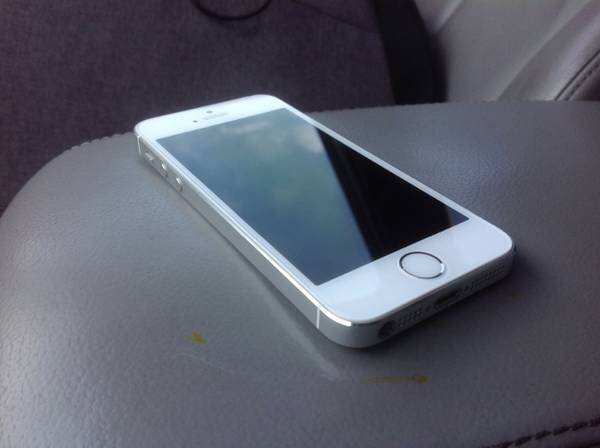 iphone 5s 32gb white silver verizon factory unlocked. Black Bedroom Furniture Sets. Home Design Ideas